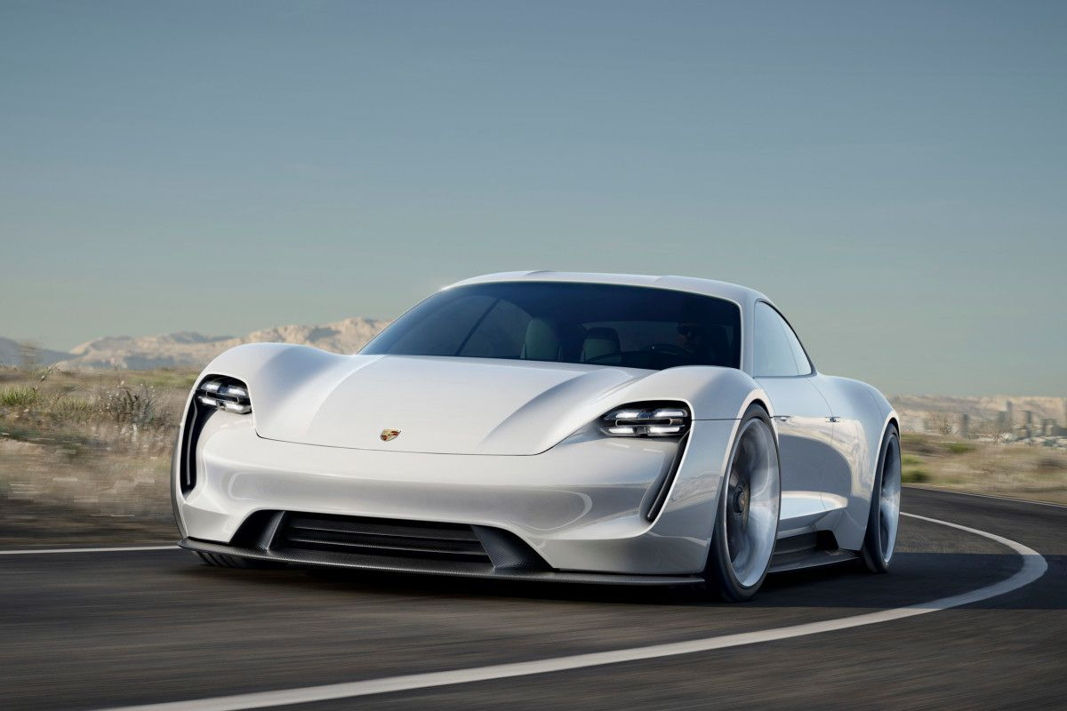 Porsche готовится отправить Tesla «на свалку»