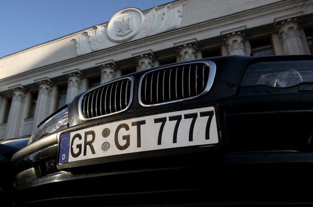 Правоохранители начали проверять авто на евробляхах по базе обмена информацией