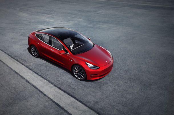 Хакерам предлагают награду за взлом Tesla Model 3