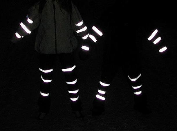 Пешеходов в Украине хотят обязать носить одежду со светоотражающими элементами