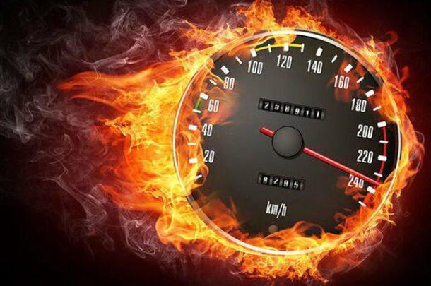 Электрический Chevrolet Corvette установил новый рекорд скорости
