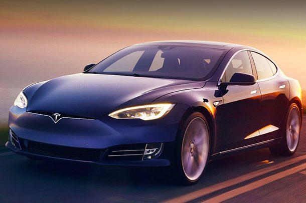 Американцы жалуются на некорректную работу систем управления электромобилей Tesla