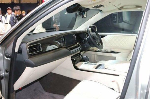 Авторитетное японское тюнинговое ателье TOM'S представила уникальную Toyota Century