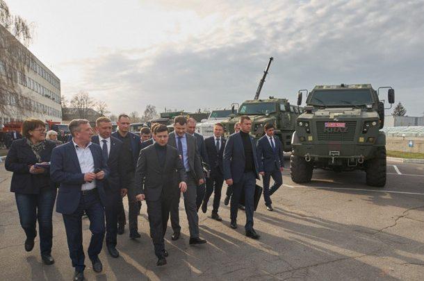 «Мы всем, чем сможем, поможем»: Зеленский посетил «АвтоКрАЗ»